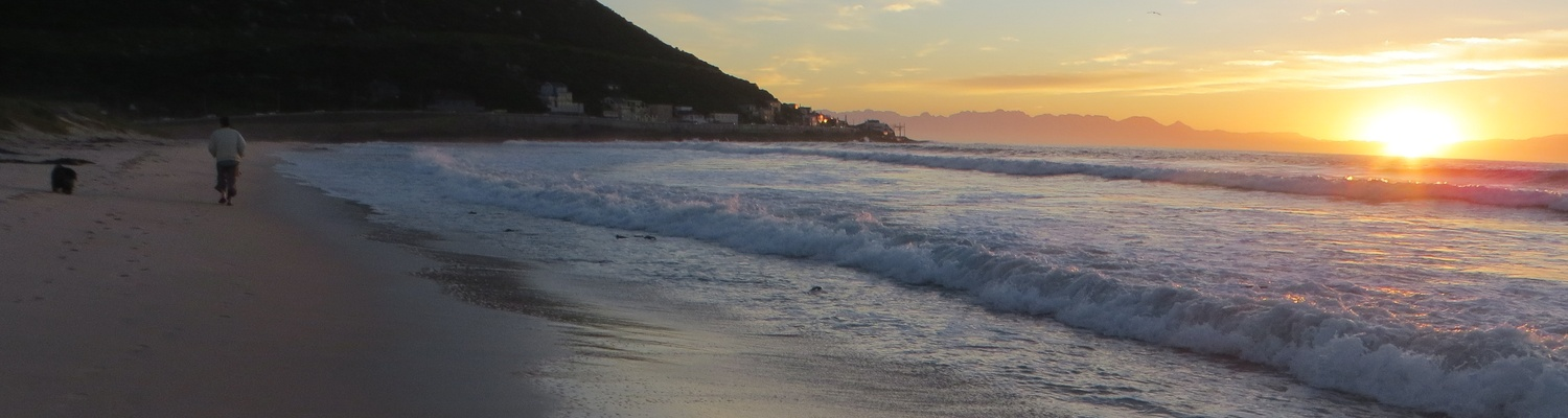 Accommodation Cape Town,Fish Hoek Beach Cape Town,fishhoek,fish hoek,Fish Hoek Beach,Things to do in Fish Hoek,Holiday Accommodation cape town,Fish Hoek Sunrise,Self-catering accommodation cape town,seaside cottages,view of fish hoek,fish hoek resort