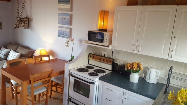 Kitchen and Dining Area of Cottage 40 - Seaside Cottages
