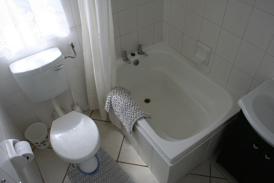 Bathroom of Cottage 18 - Seaside Cottages Fish Hoek