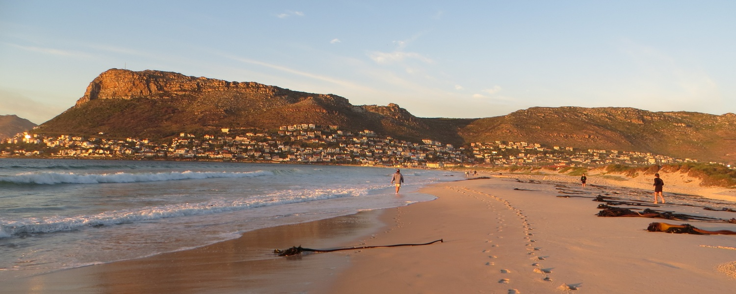 Fish Hoek Beach,things to do in fish hoek,fish hoek cape town,cape town accommodation,holiday accommodation south Africa,accommodation cape town