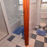 Full Bathroom of Cottage 75 - Seaside Cottages Fish Hoek