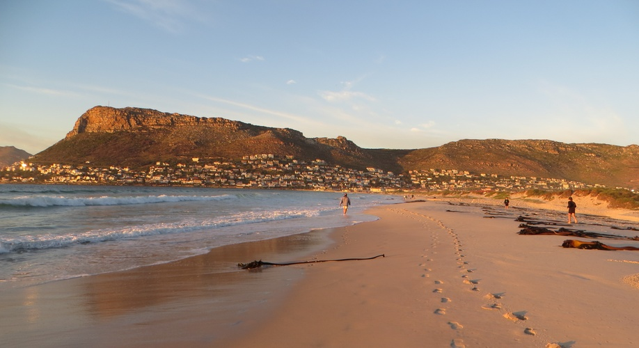 Fish Hoek Beach,things to do in fish hoek,fish hoek cape town,cape town accommodation,holiday accommodation south africa